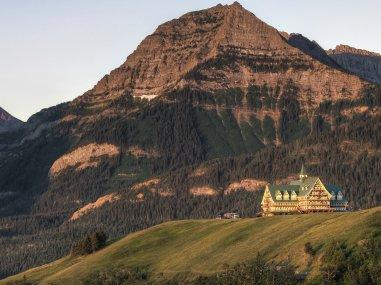 Rustic luxury travel in Alberta, Canada