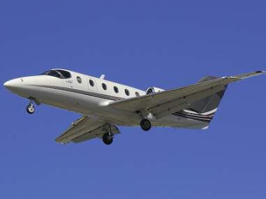 The Raytheon Beechjet 400/400A is the earlier version of the Hawker 400XP--a popular light jet.