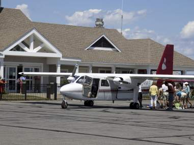 FBO for private jet charters at Teterboro Airport. Air charter quotes and service with best rates an